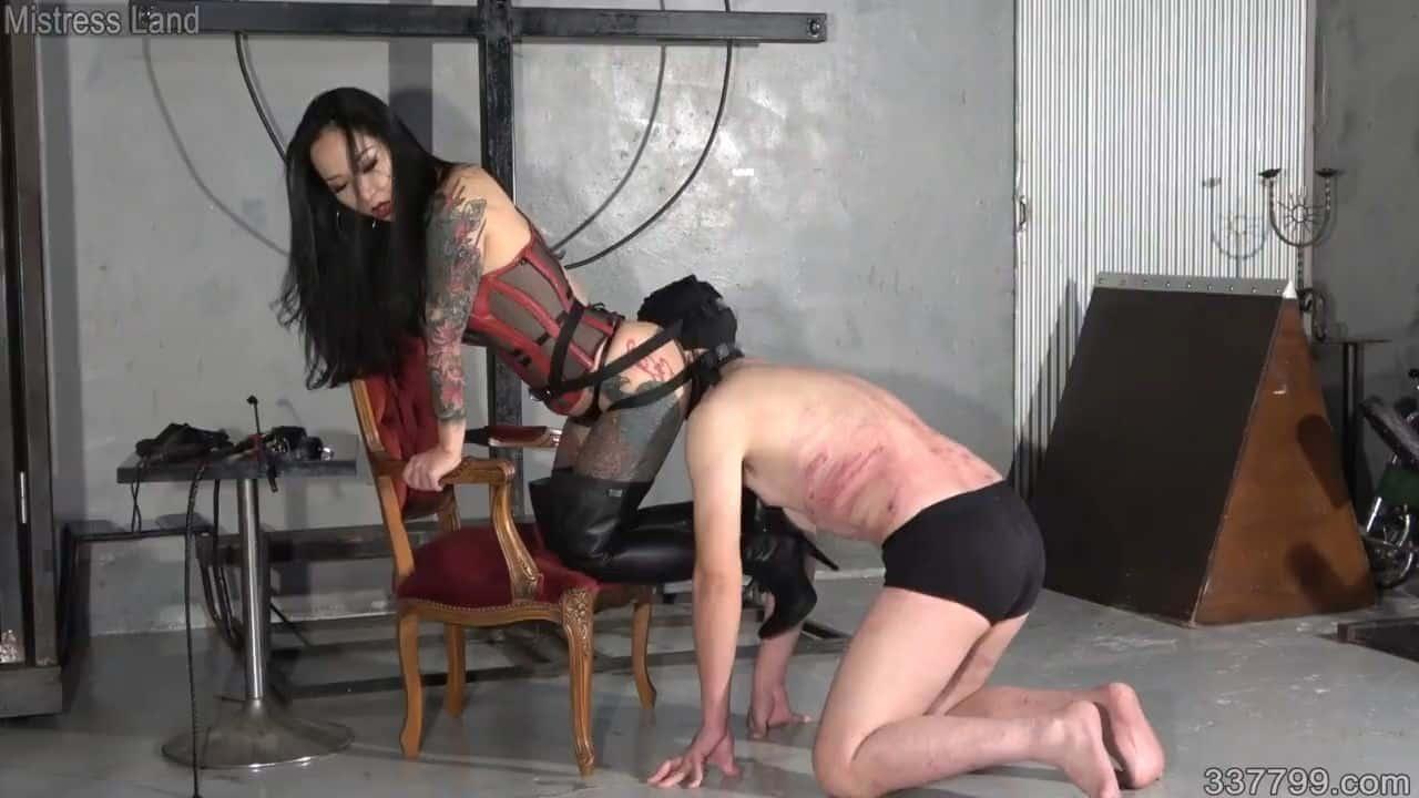 337799 Porn japanese femdom youko deep facesitting - asian ass worship
